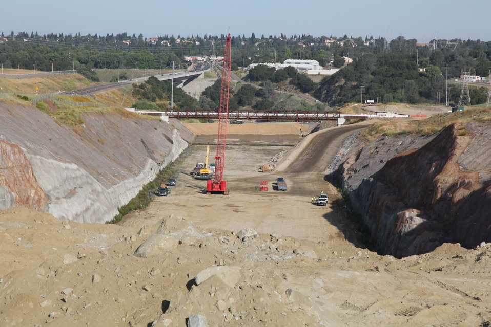 Excavating Folsom Dam's auxiliary spillway