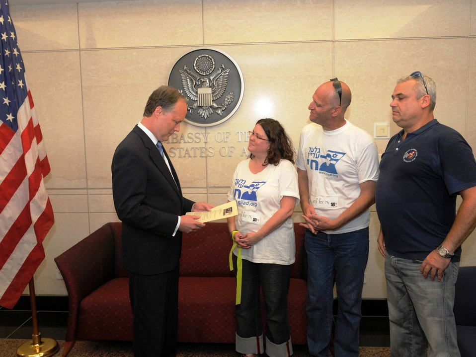 Ambassador Cunningham Reads Letter From Civil Drafting Chamber Representatives for Gilad Shalit