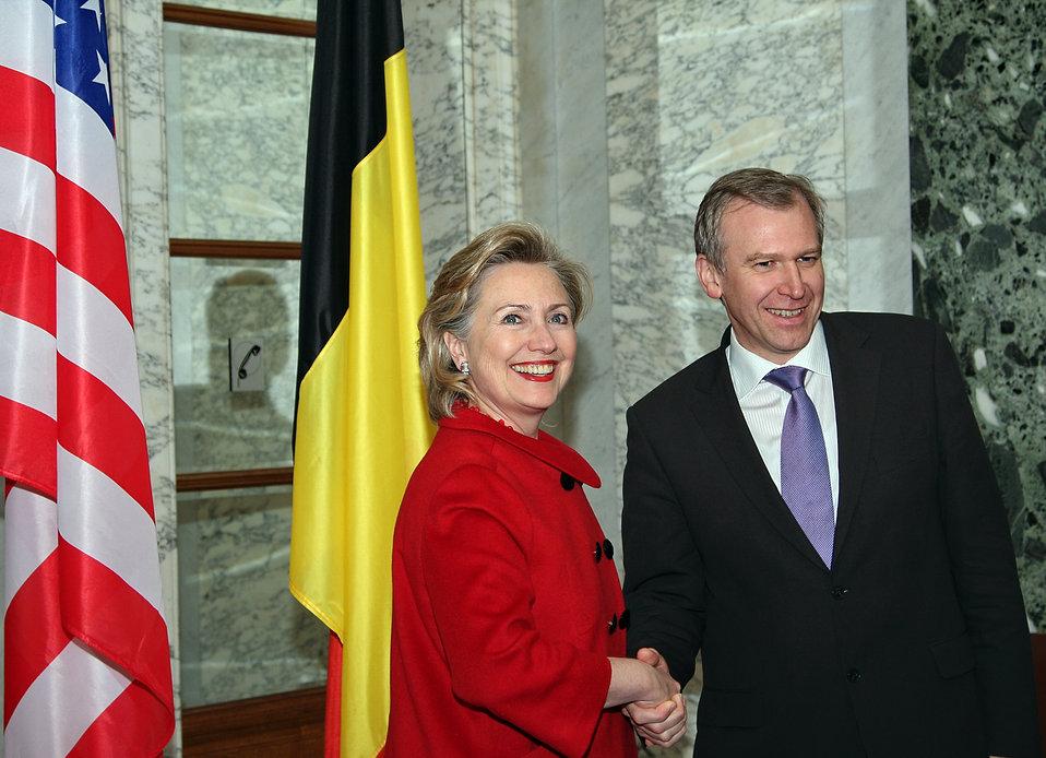 Secretary Clinton Meets With Belgian Officials