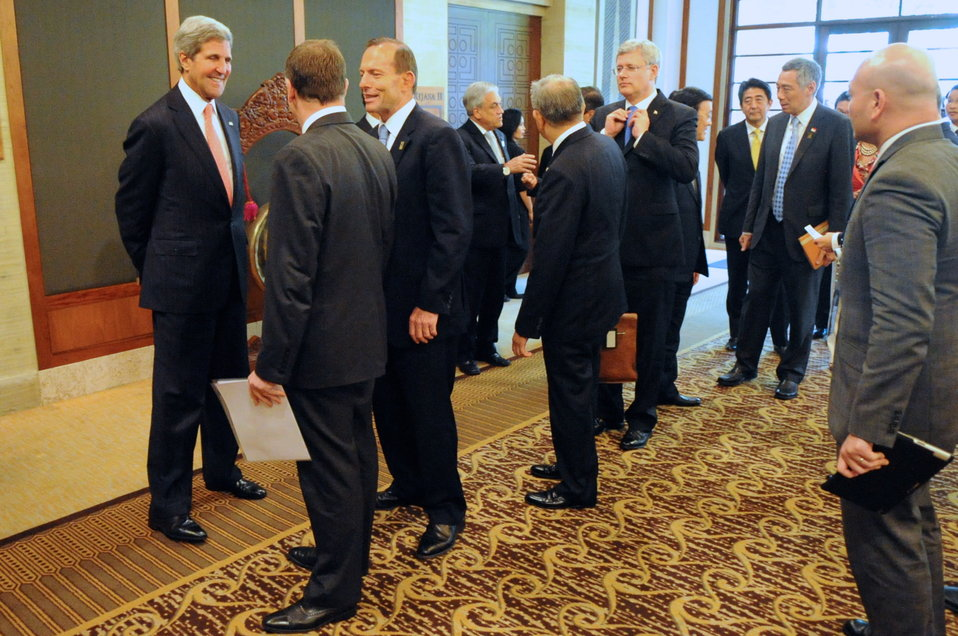 Secretary Kerry Chats With Prime Ministers Key and Abbott of New Zealand and Australia