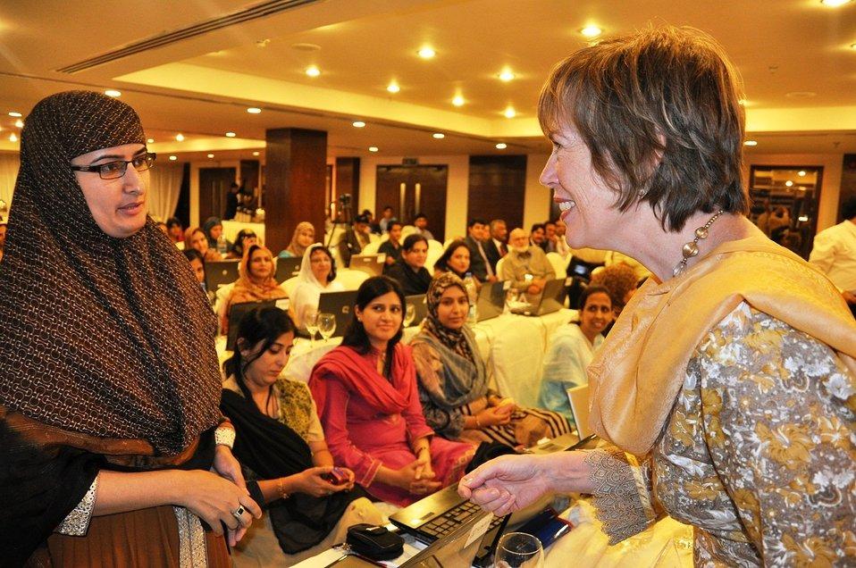 26 Spet, 2011 - US Ambassadar Cameron Munter's wife Dr. Marilyn Wyatt interacting with IESCO Female IT Staff