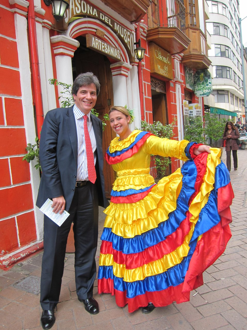 Assistant Secretary Fernadez Travels to Colombia