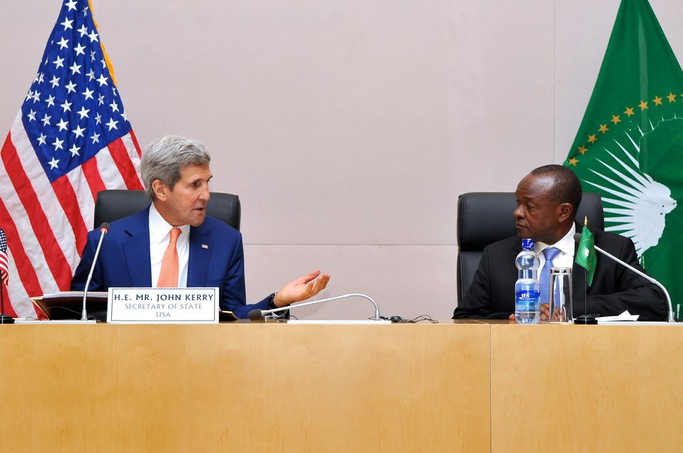 Secretary Kerry Meets With AU Deputy Chairperson, Commissioners in Ethiopia