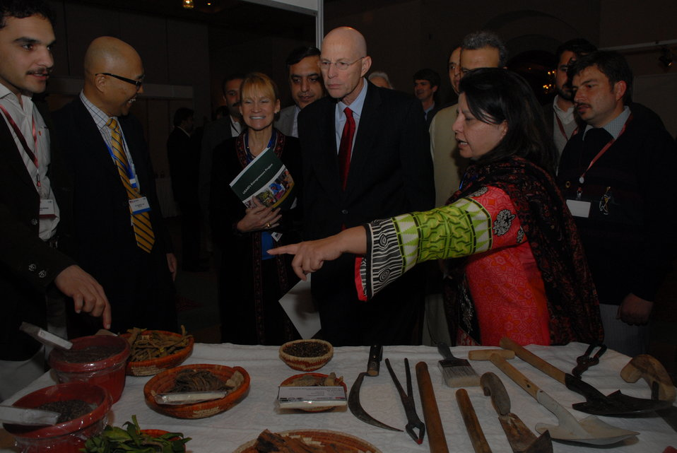 The United States Helps Revitalize  Medicinal Plants and Honey Industry in Khyber Pakhtunkhwa 03