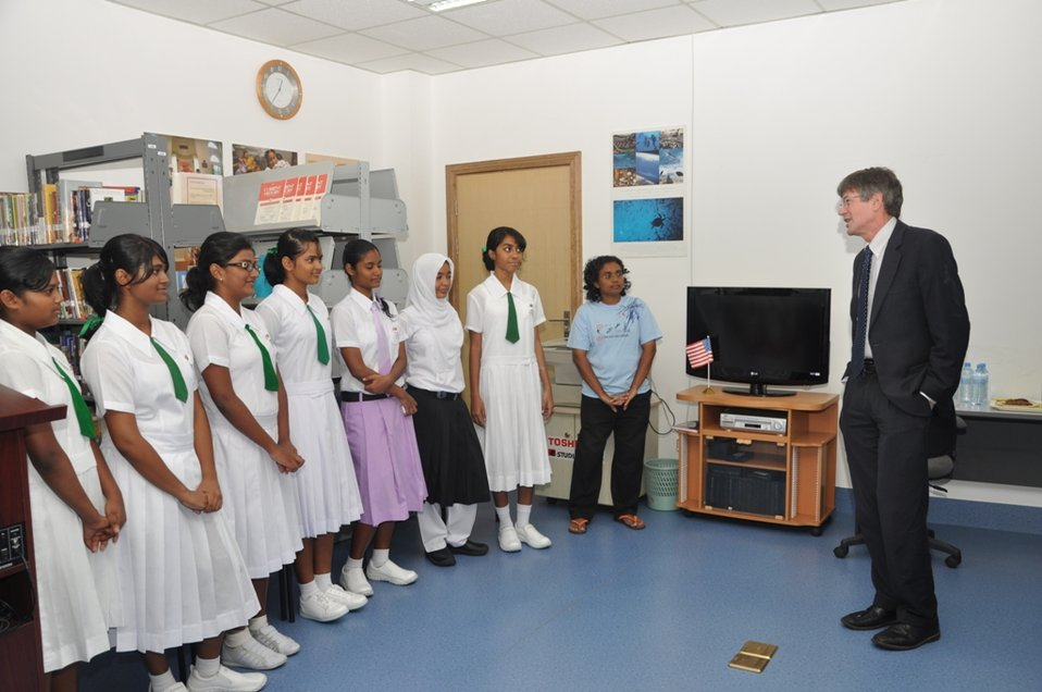 Deputy Secretary Steinberg Speaks With a Maldivian Girls Soccer Team