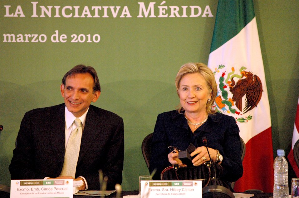 Secretary Clinton With U.S. Ambassador to Mexico Carlos Pascual