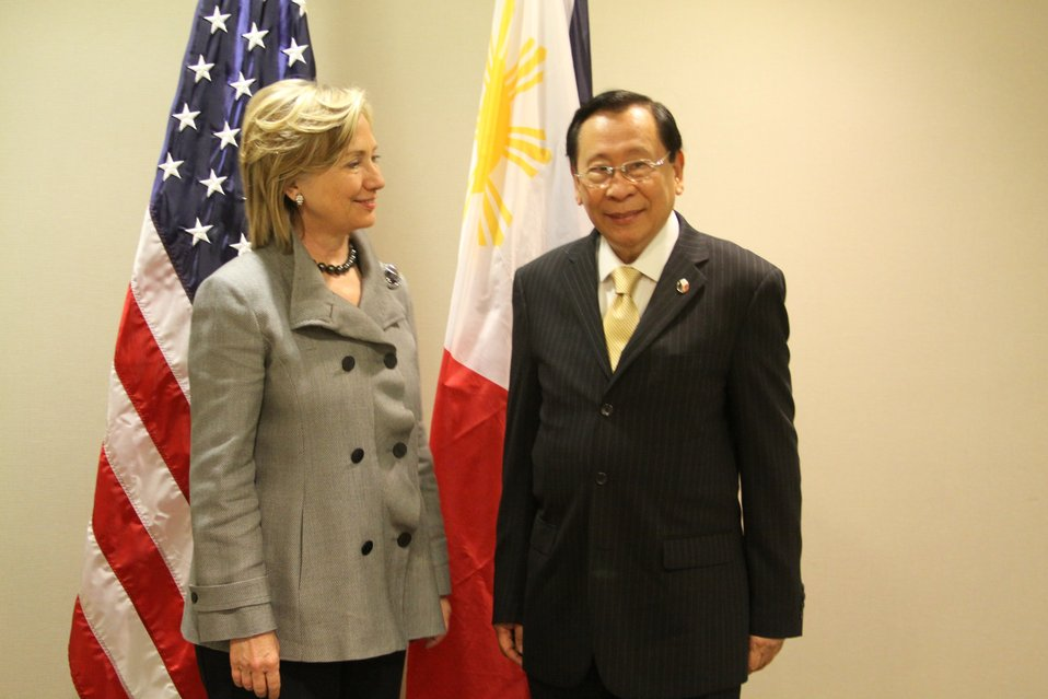 Secretary Clinton Speaks With Filipino Foreign Minister Romulo