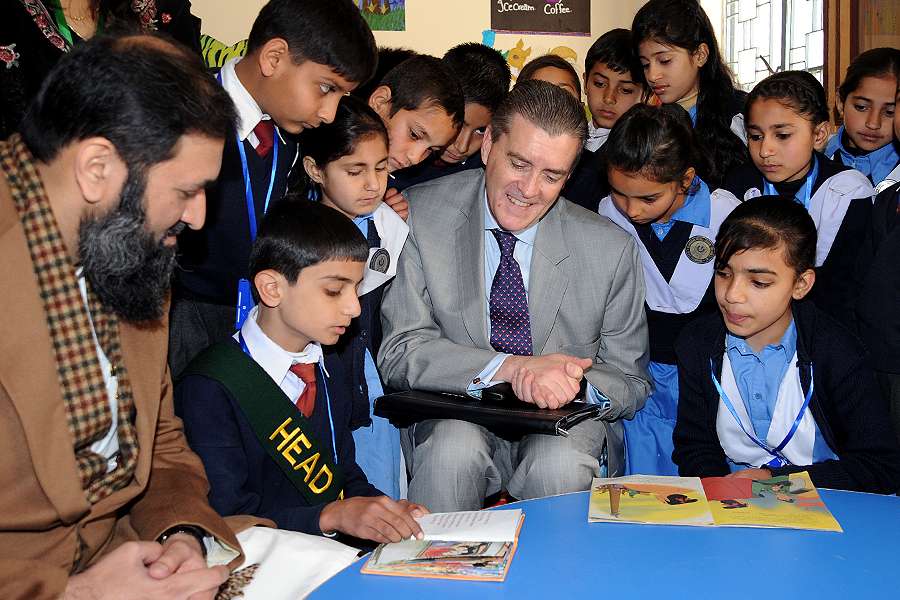 U.S. Ambassador to Pakistan Richard G. Olson, U.S. Ambassador at Large for Global Women's Issues Catherine Russell, and State Minister for Education, Training, and Standards in Higher Education Baligh-ur-Rehman launched the Pakistan Reading Project toda