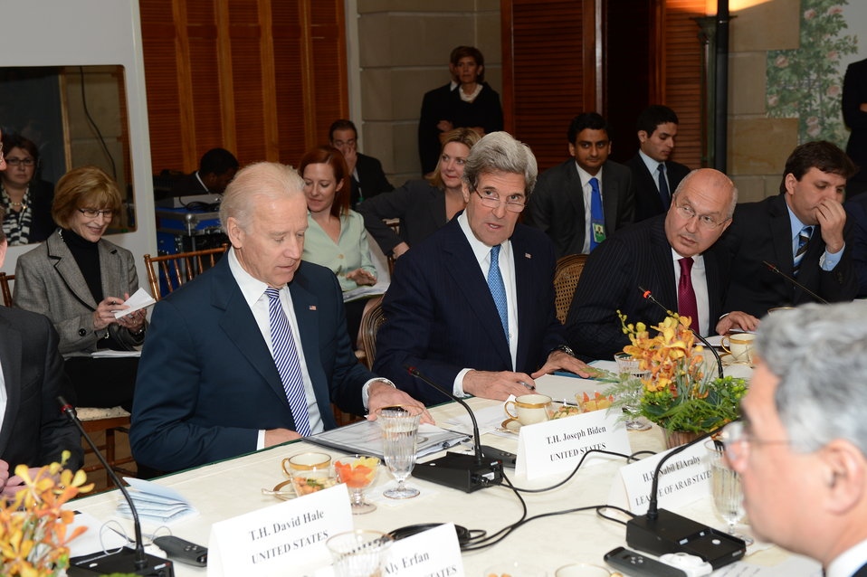 Secretary Kerry and Vice President Biden Participate in a Meeting with the Arab League Delegation