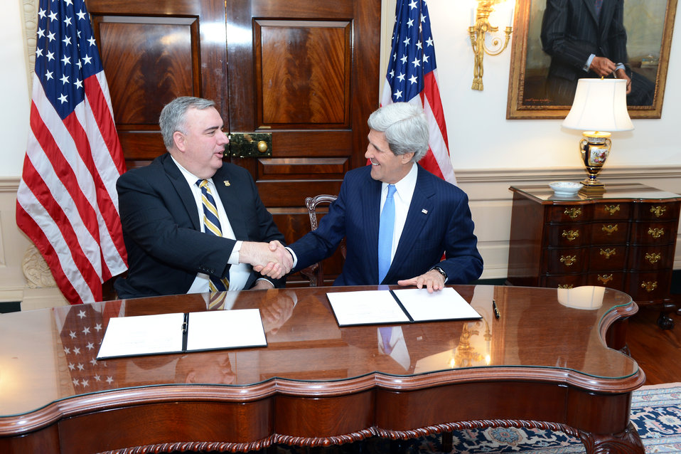 Secretary Kerry and Boston Police Commissioner Davis Shake Hands