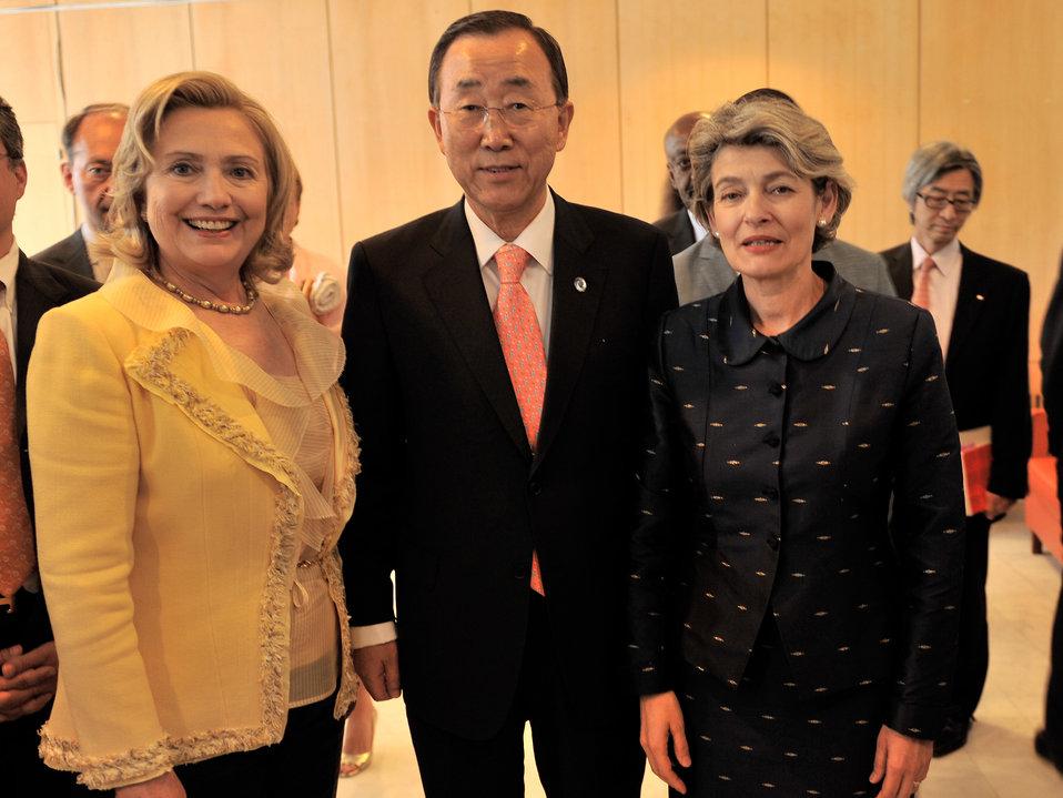 Secretary Clinton, UN Secretary-General Ban Ki-moon, and UNESCO Director-General Bokova Pose for a Photo