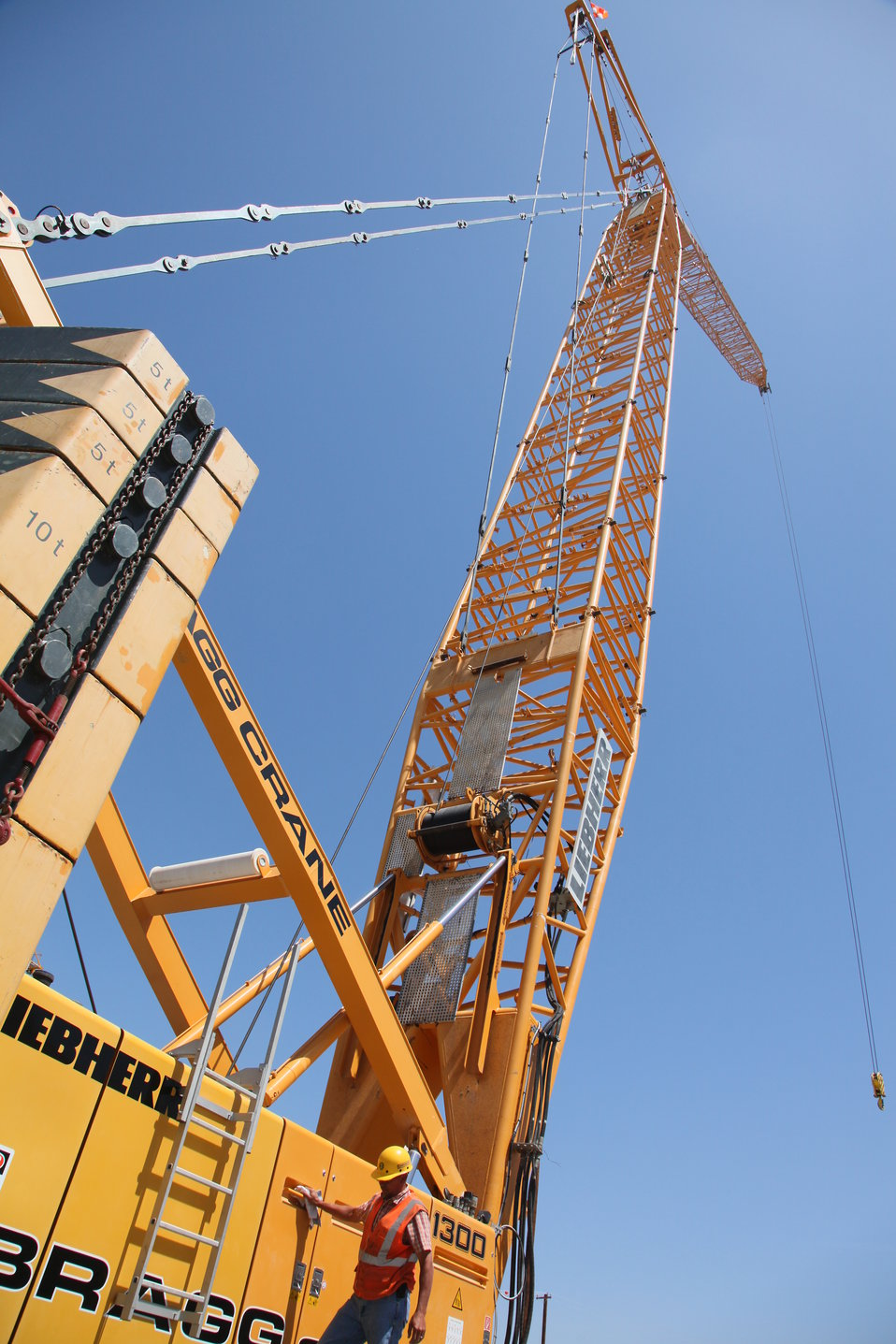 Cranes erected at the Folsom auxiliary spillway