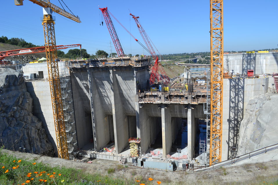 Hungarian engineers visit Folsom Dam auxiliary spillway
