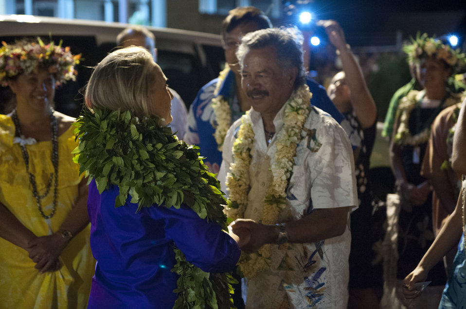 Secretary Clinton Shakes Hands With Prime Minister Puna of the Cook Islands