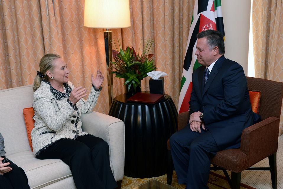 Secretary Clinton Meets With Jordanian King Abdullah II
