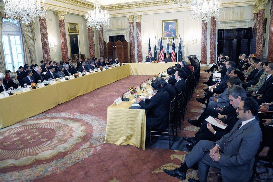 Secretary Clinton and Pakistani Foreign Minister Qureshi Open the U.S.-Pakistan Plenary Session