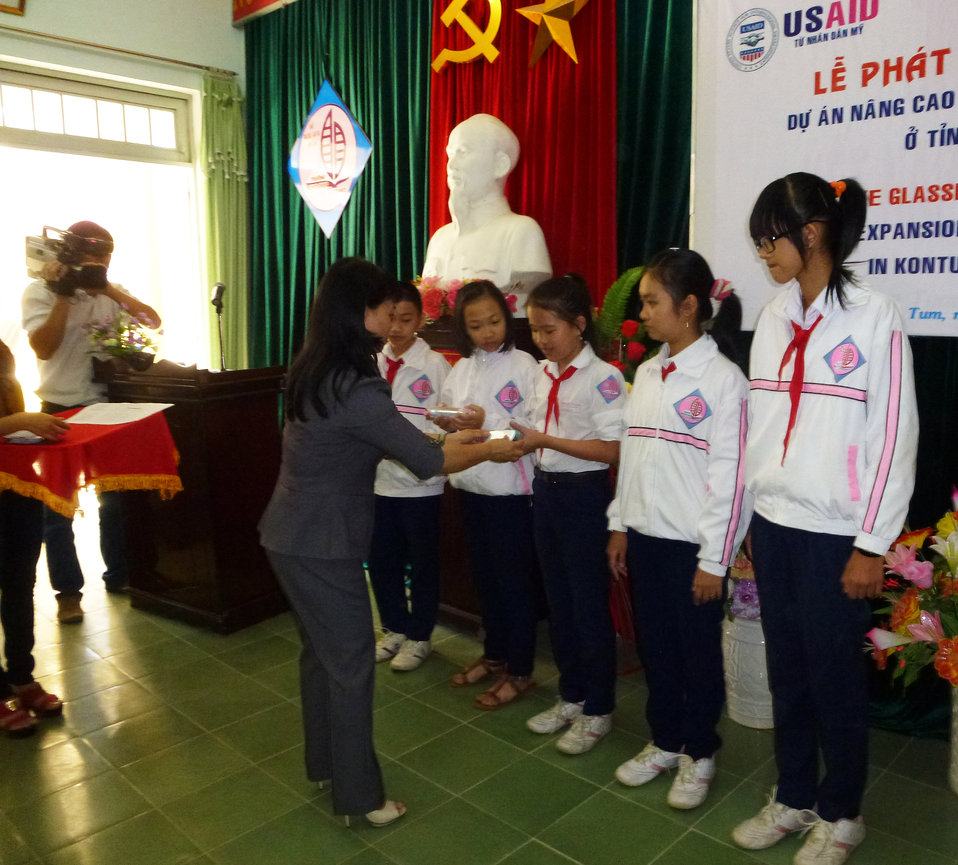 Eye screening at for students in Kon Tum, Vietnam, supported by USAID and HKI
