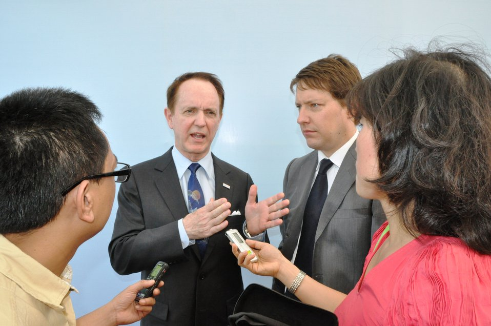 USAID Mission Director Francis Donovan Meets the Press at the Environmental Remediation of Dioxin Contamination at Danang Airport Project Launch