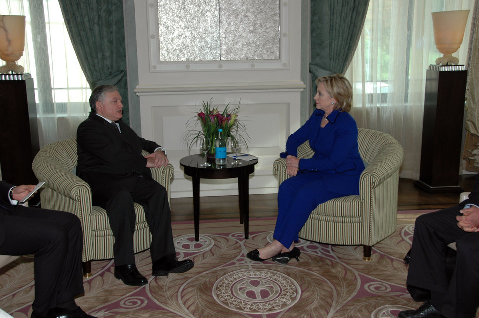 Secretary Clinton Meets With Armenian Foreign Minister