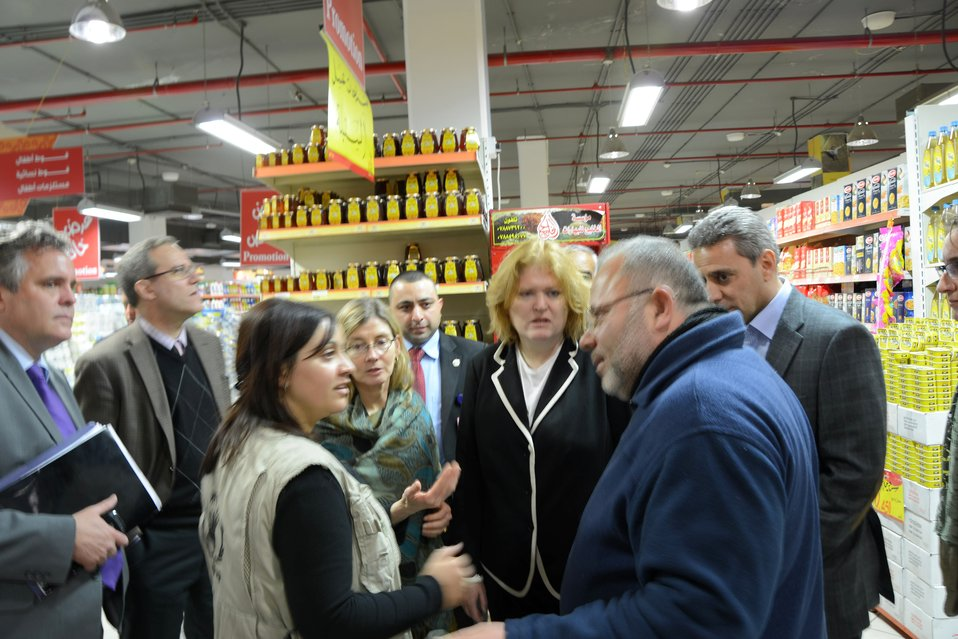Assistant Secretary Richard and USAID Deputy Administrator Lindborg Visit a World Food Programme Distribution Center in Amman