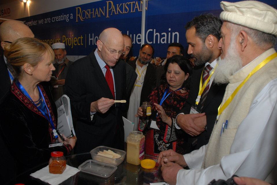 The United States Helps Revitalize  Medicinal Plants and Honey Industry in Khyber Pakhtunkhwa 05