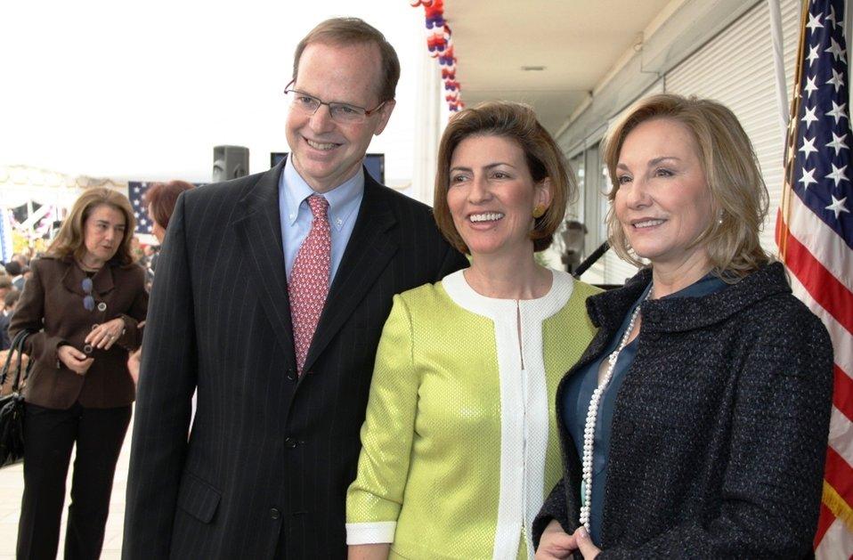 Ambassador Simons, Victoria cardenas Simons, and Chile's First Lady Cecilia Morel Pose for a Photo
