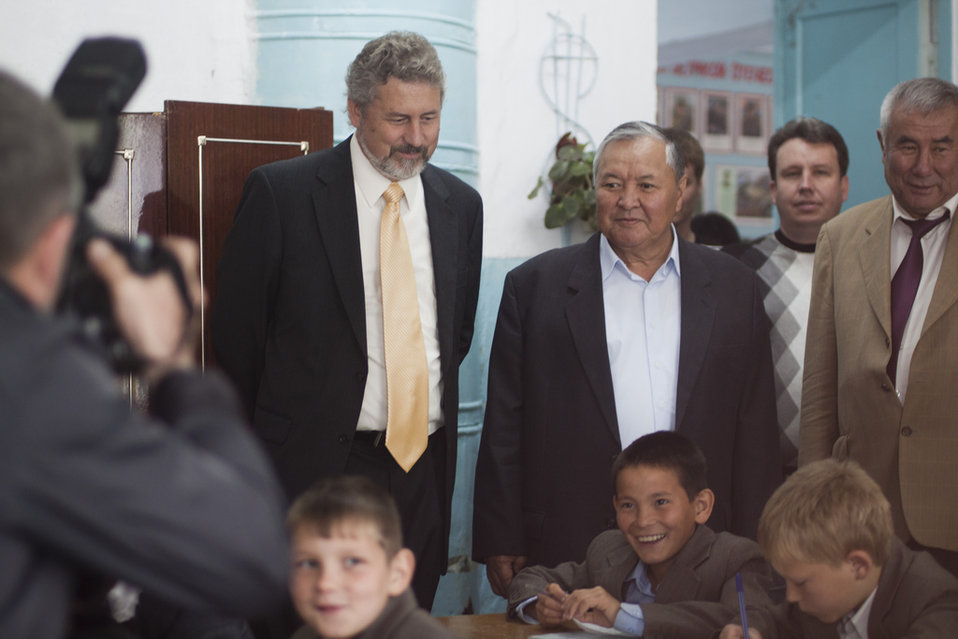 Charge d'Affaires Memmott Presents U.S. Grants To Support Kyrgyz Republic Orphanage