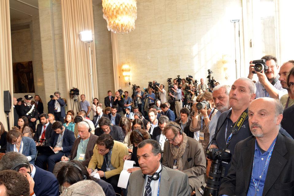 Reporters Await Secretary Kerry and Italian Foreign Minister Bonino