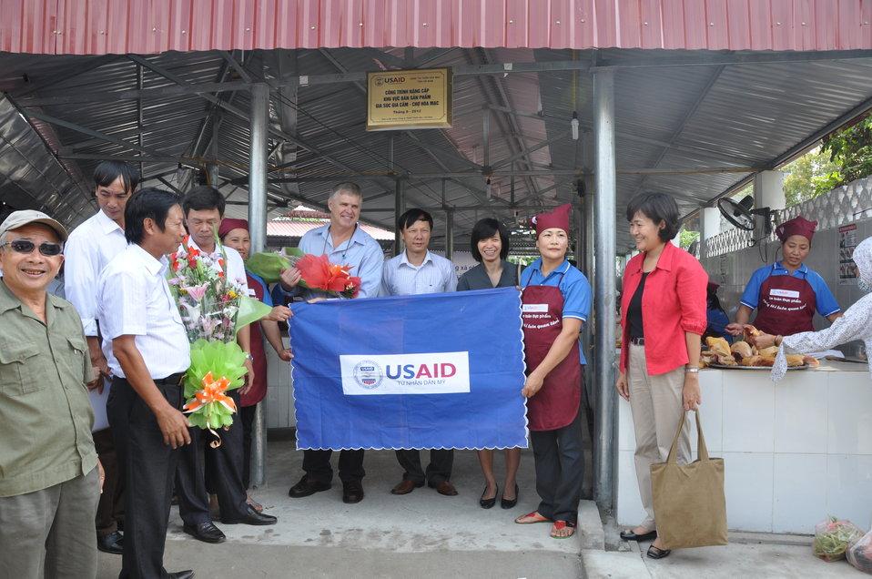 Handover Ceremony Hoa Mac Market, Ha Nam