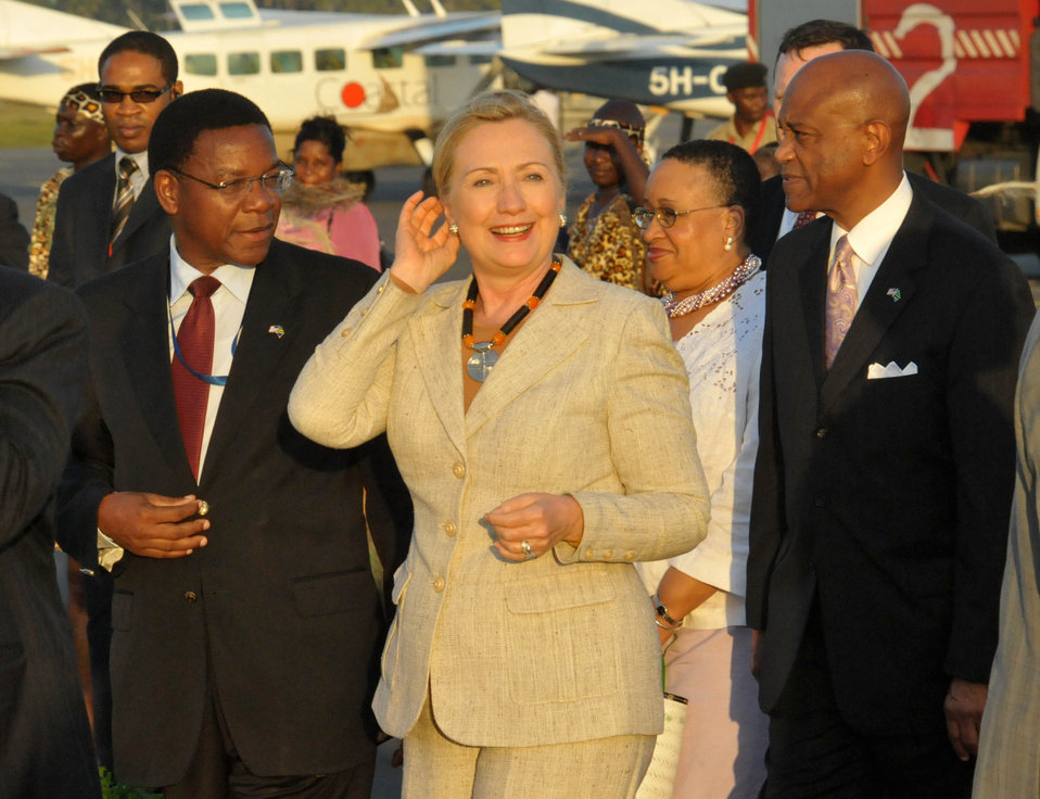Secretary Clinton Speaks With Tanzanian Foreign Affairs Minister Membe and Ambassador Lenhardt