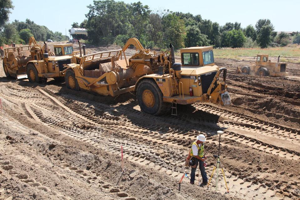 West Sacramento setback levee construction