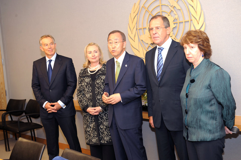UN Quartet Envoy Blair, Secretary Clinton, Secretary General Ban Ki-moon, Russian Foreign Minister Lavrov, and EU High Representative Ashton Pose for a Photo