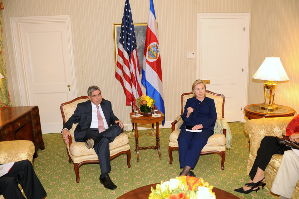 UNGA 2009: Secretary Clinton Meets With Costa Rican President