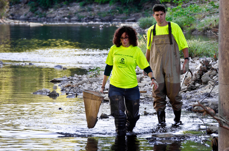 September 26, 2011 EPA partners with Blue River Watershed Association for Children's Health Month