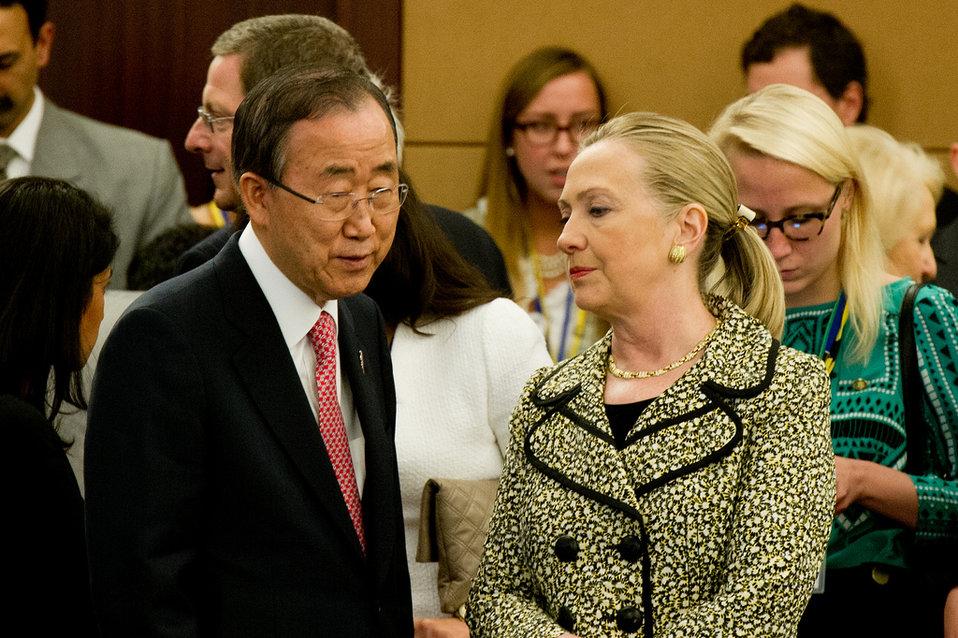 Secretary Clinton Meets With UN Secretary-General Ban