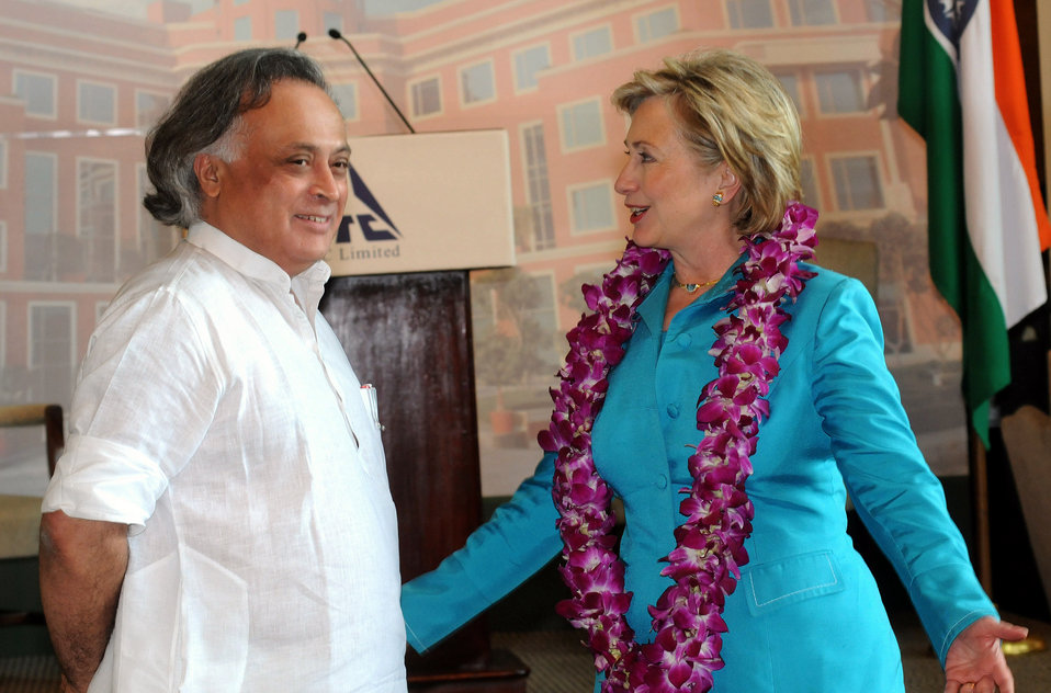 Secretary Clinton Visits ITC Green Center