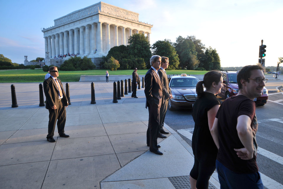 Secretary Kerry Enjoys a Walk by the Lincoln Memorial