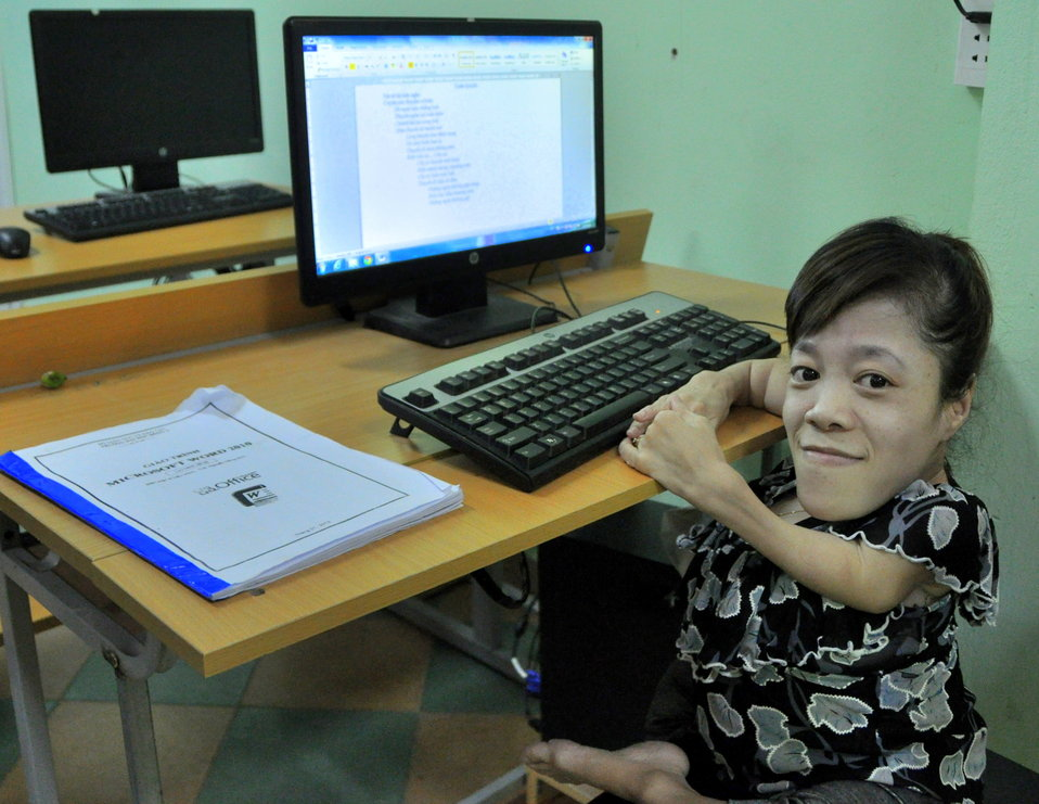 USAID Visits IT Training Program for People with Disabilities at Dong A University
