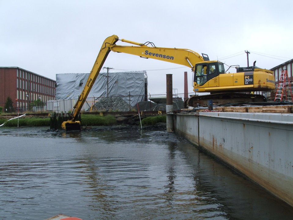 Spring 2008, Targeted cleanup near Aerovox shoreline