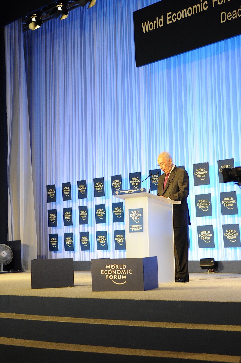 Israeli President Peres Addresses the World Economic Forum