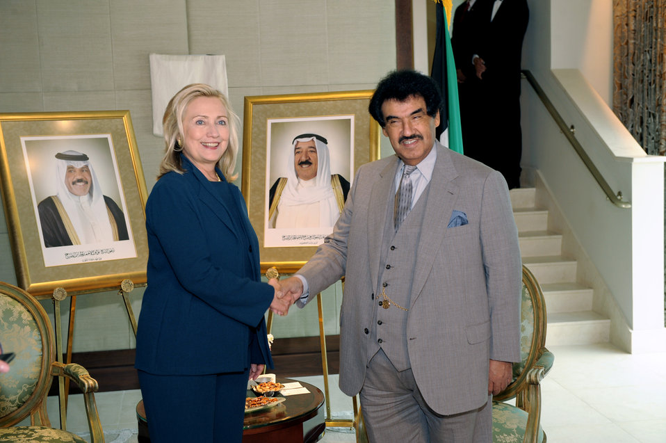 Secretary Clinton Shakes Hands With Kuwaiti Prime Minister Nasser al Sabah
