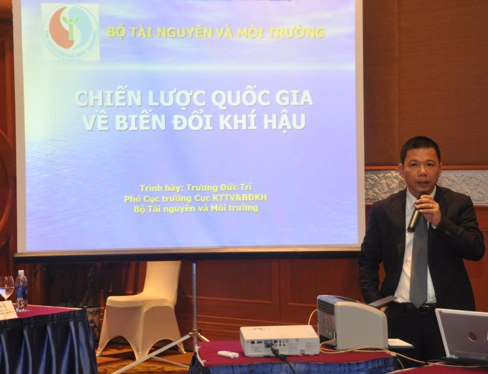 Mr. Truong Duc Tri, Deputy Director of the Department of Meterology and Hydrology and Climate Change, Vietnam's Ministry of Natural Resources and Enivronment