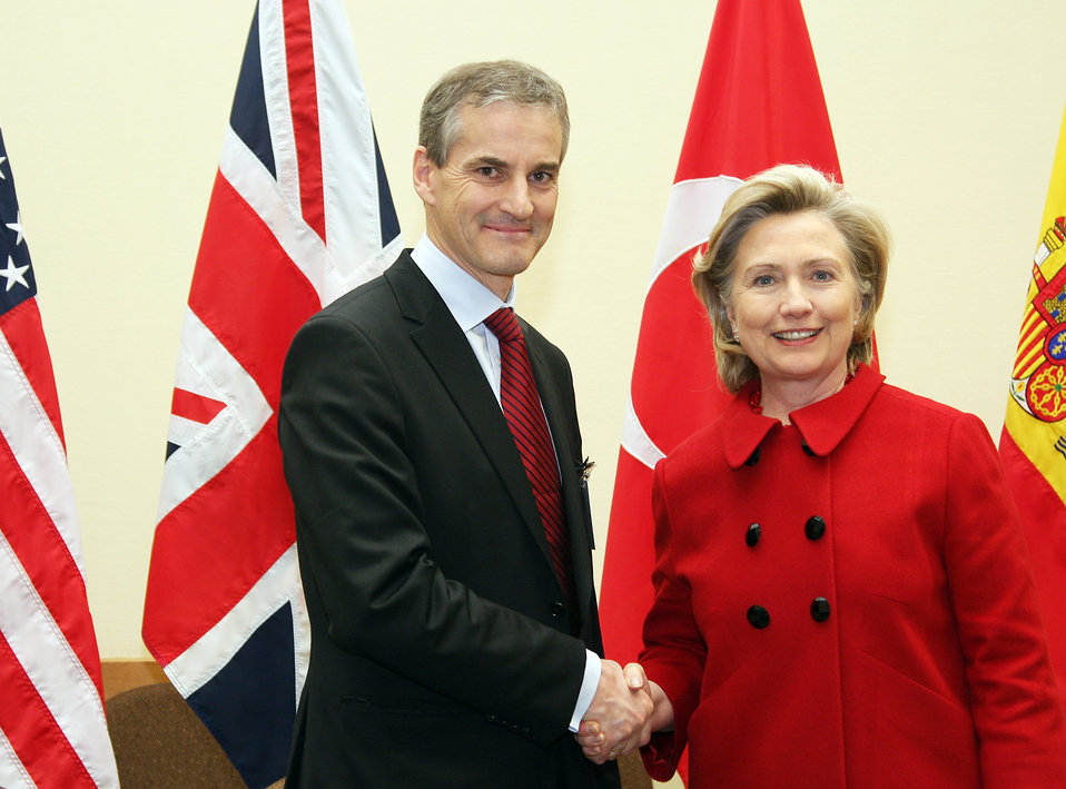 Secretary Clinton Meets With Norwegian Foreign Minister