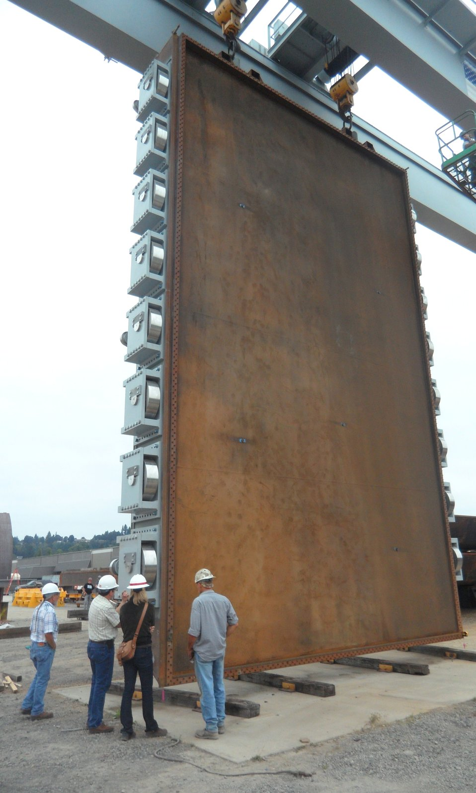 Giant Folsom spillway gates nearly ready for 600-mile journey to dam