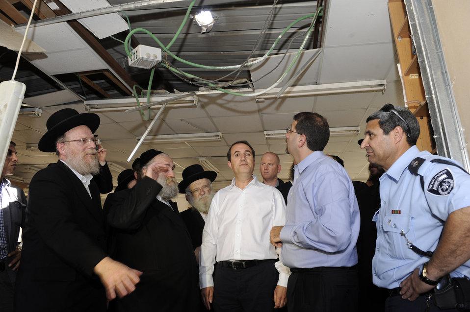 Ambassador Shapiro Tours Ashdod's Operations Center