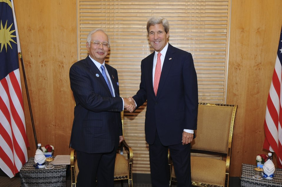 Secretary Kerry Meets With Malaysian Prime Minister Najib