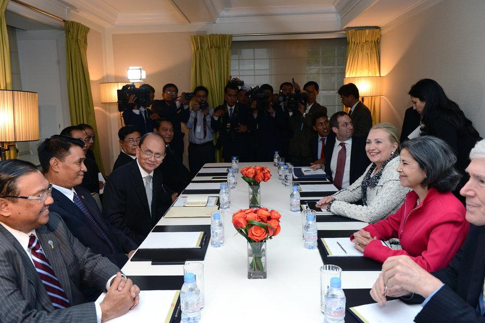 Secretary Clinton Meets With Burmese President Sein
