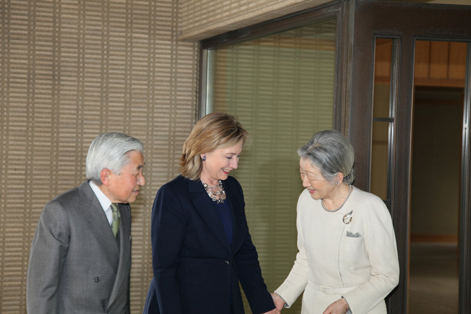 Secretary Clinton Visits Emperor Akihito and Empress Michiko