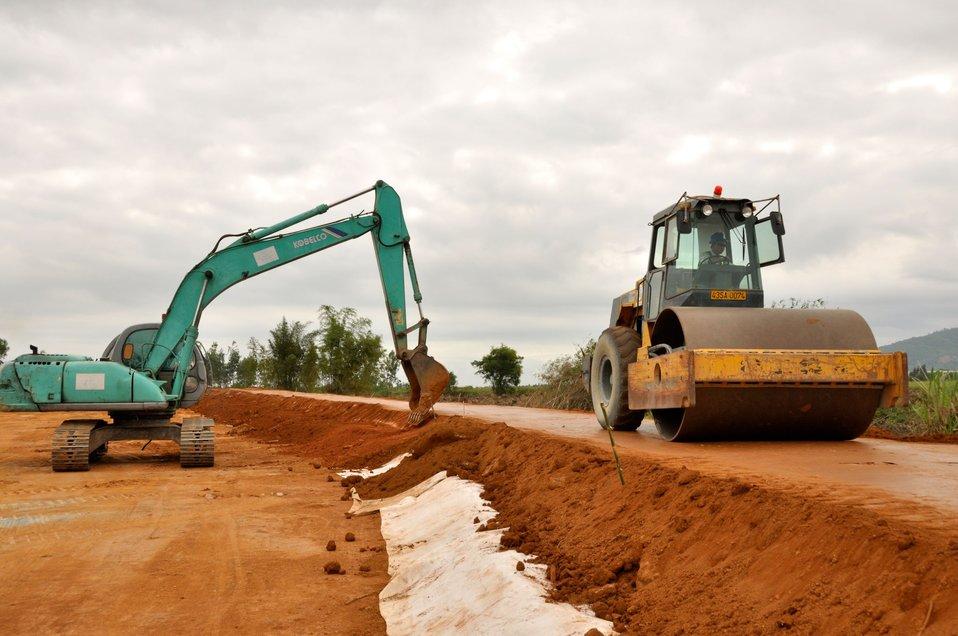 Danang Site Preparation for Environmental Remediation of Dioxin Contamination at Danang AirportRemediation Site Visit