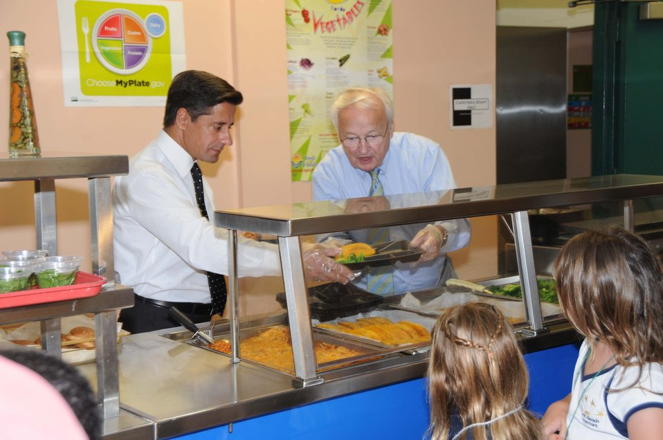Under Secretary serves lunch